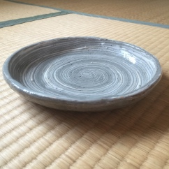 お皿 Osara (Dish)